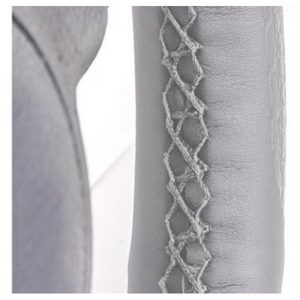 Оплетка на руль под иголку (серый) M  экокожа гладкая, с поролоном